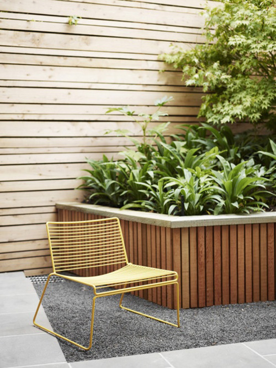 Getting Wired: Outdoor Wire Chairs