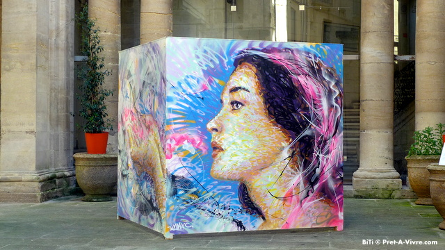Photo Friday - Street Art on Cubes - Pret-a-Vivre