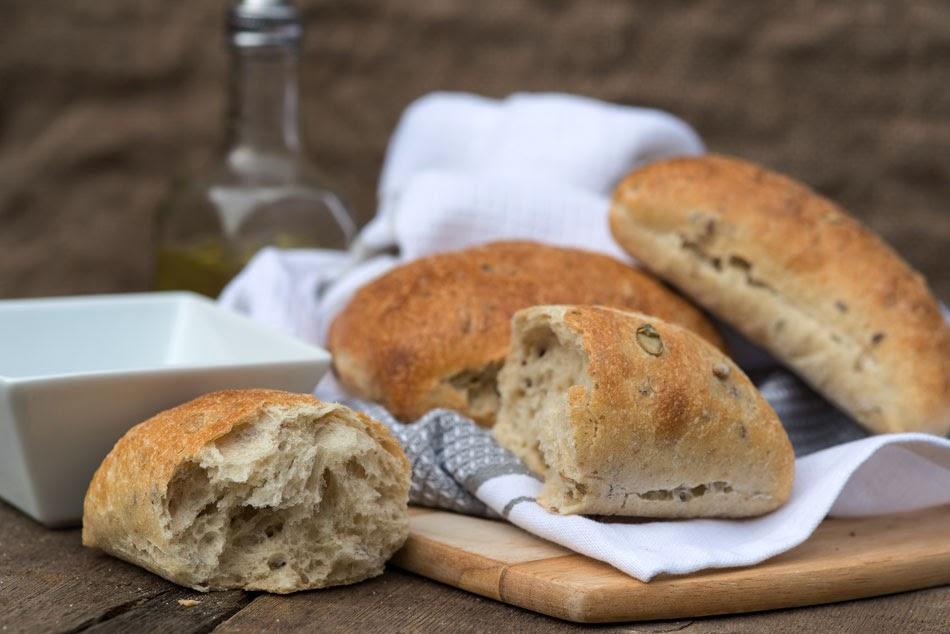 الخبز المحشو بالزيتون