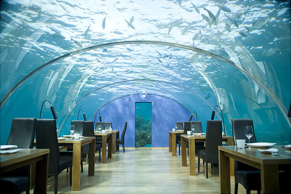 Dubai hotels under water cool photos world for Coolest hotels in dubai