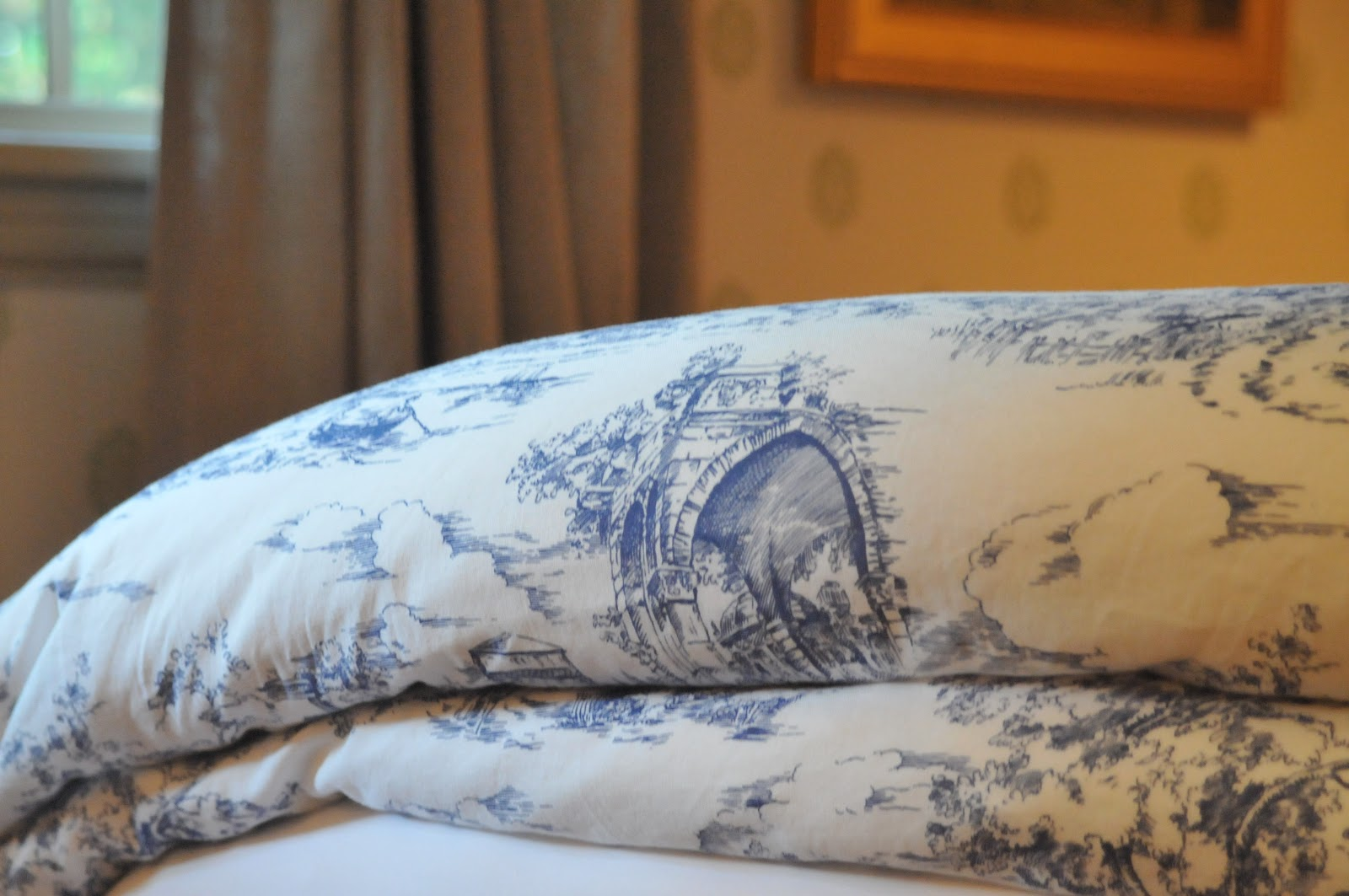 NINE SIXTEEN Our Home Summery Additions - Blue and white toile duvet cover