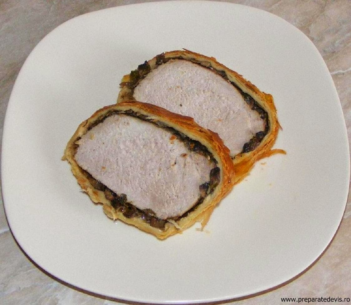 retete culinare, retete de mancare, muschi de porc in aluat, friptura de porc la cuptor, preparate culinare, meniu de craciun, meniu de revelion, retete cu porc, preparate din porc,