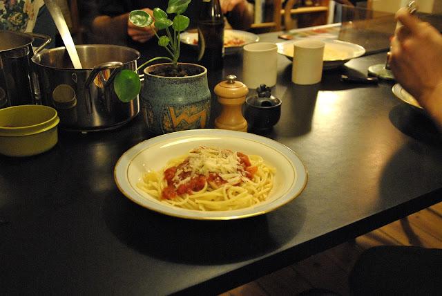 Nudeln mit Tomatensauce für alle
