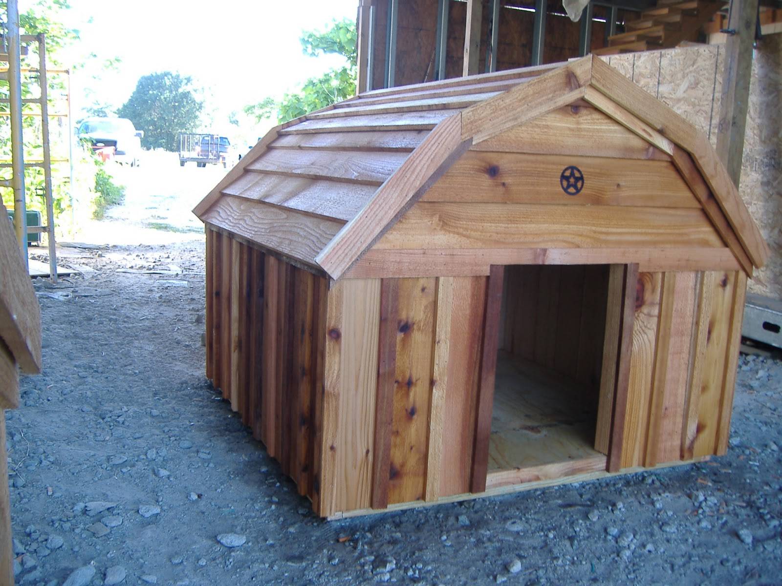 New Custom Barn Style Cedar Dog House Taking Orders Now Www