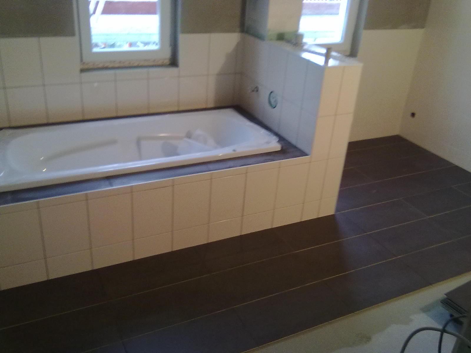 wir bauen ein haus m rz april 2011 fliesen sanit r und mehr. Black Bedroom Furniture Sets. Home Design Ideas