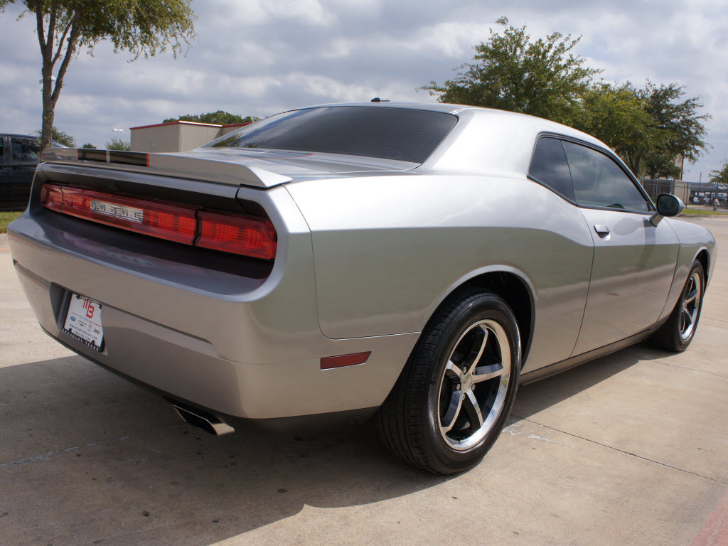 2011 Dodge Challenger Coupe silver with Black Rally ...