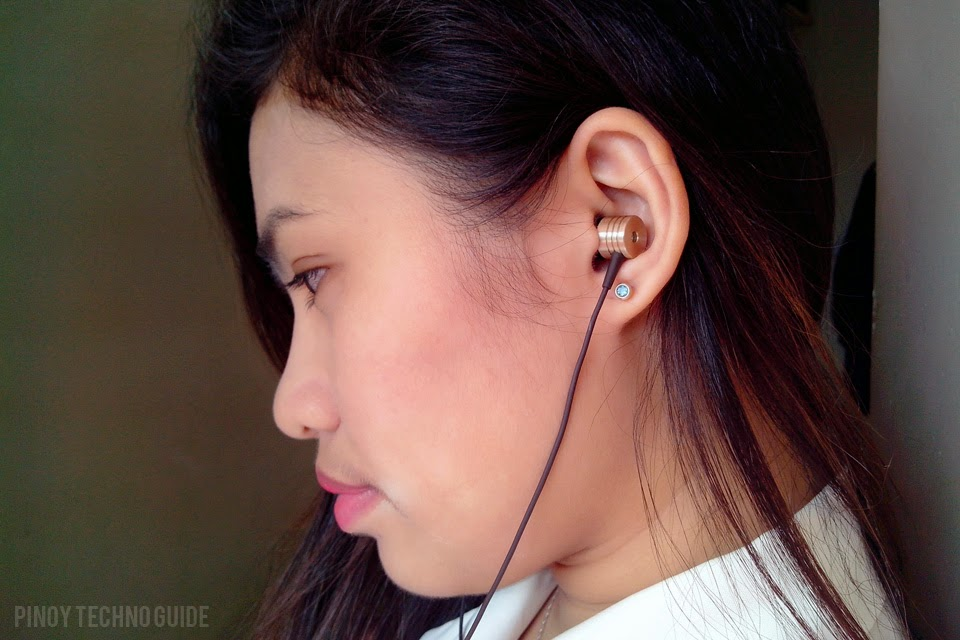 http://1.bp.blogspot.com/-4rE7n5yc3QU/VCMVjWfp7dI/AAAAAAAAI-A/JYsiXFmtx38/s1600/Xiaomi-Piston-2-Mi-In-Ear-Headphones.jpg