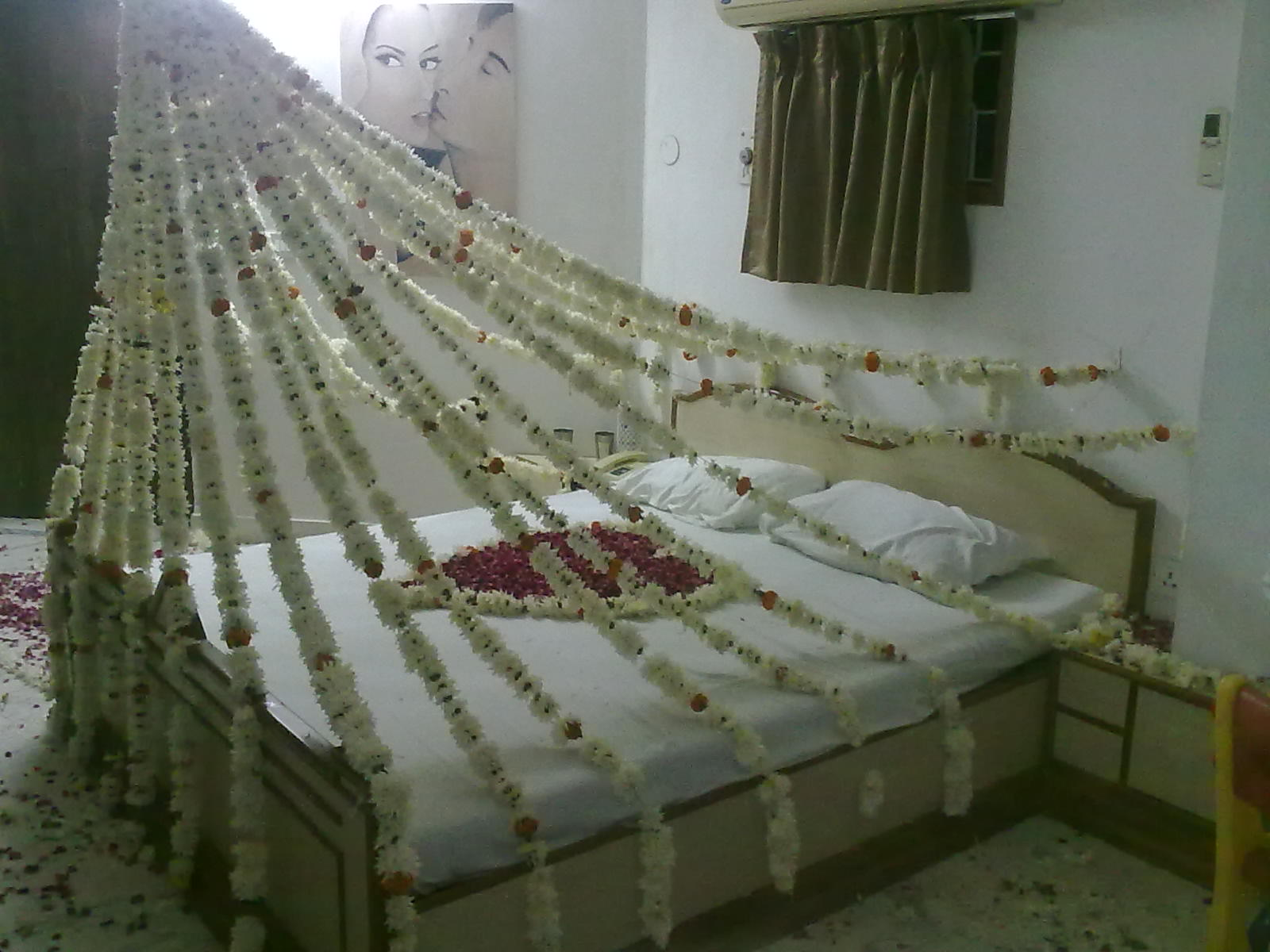 Bedroom decorating ideas for wedding night - First Night Bedroom Decoration Tuforce