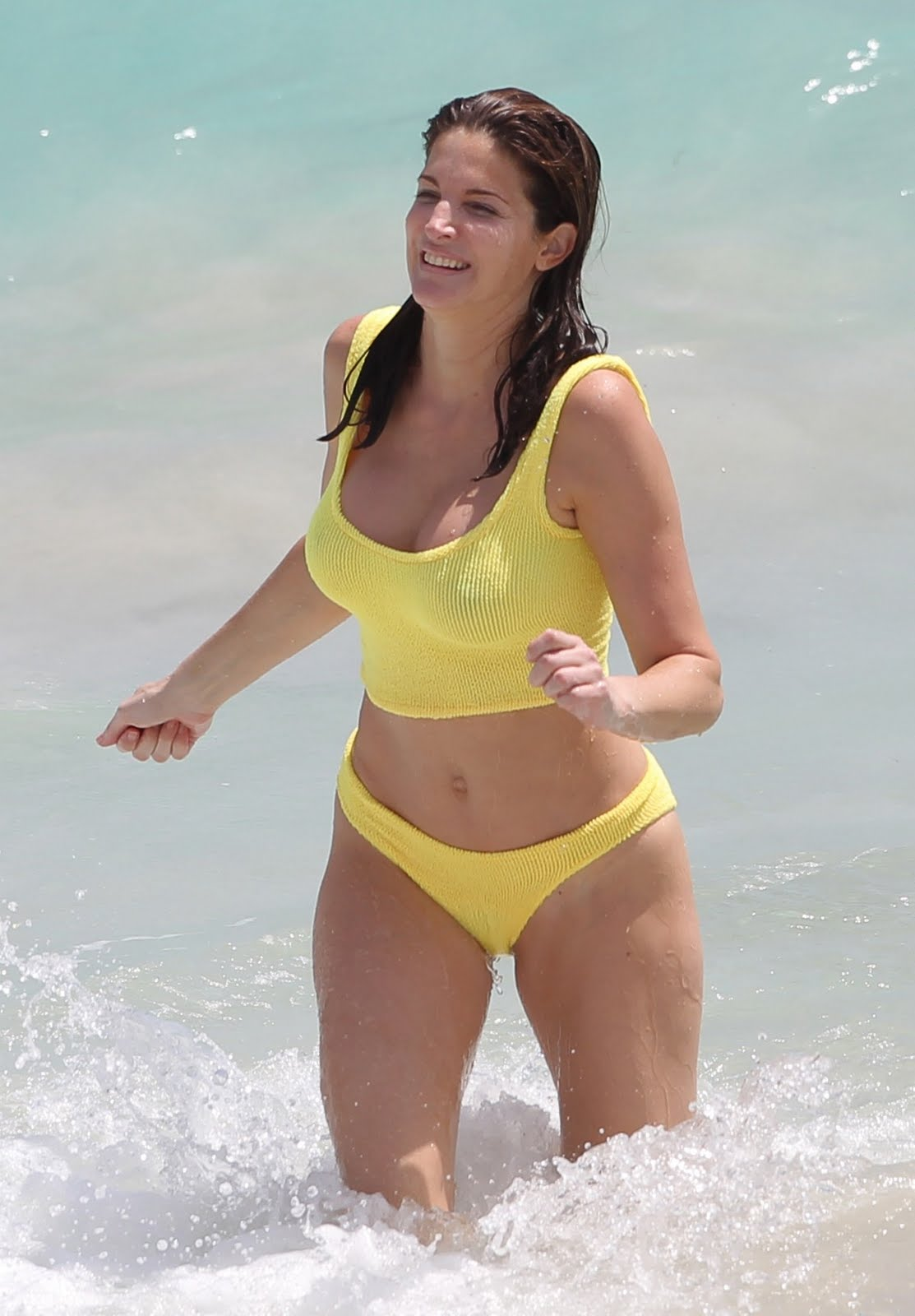http://1.bp.blogspot.com/-4rJpML6GgWg/TdvcMDUjQjI/AAAAAAAACKA/Dqe3kMM1-vs/s1600/Stephanie+Seymour+in+Bikini+8.jpg