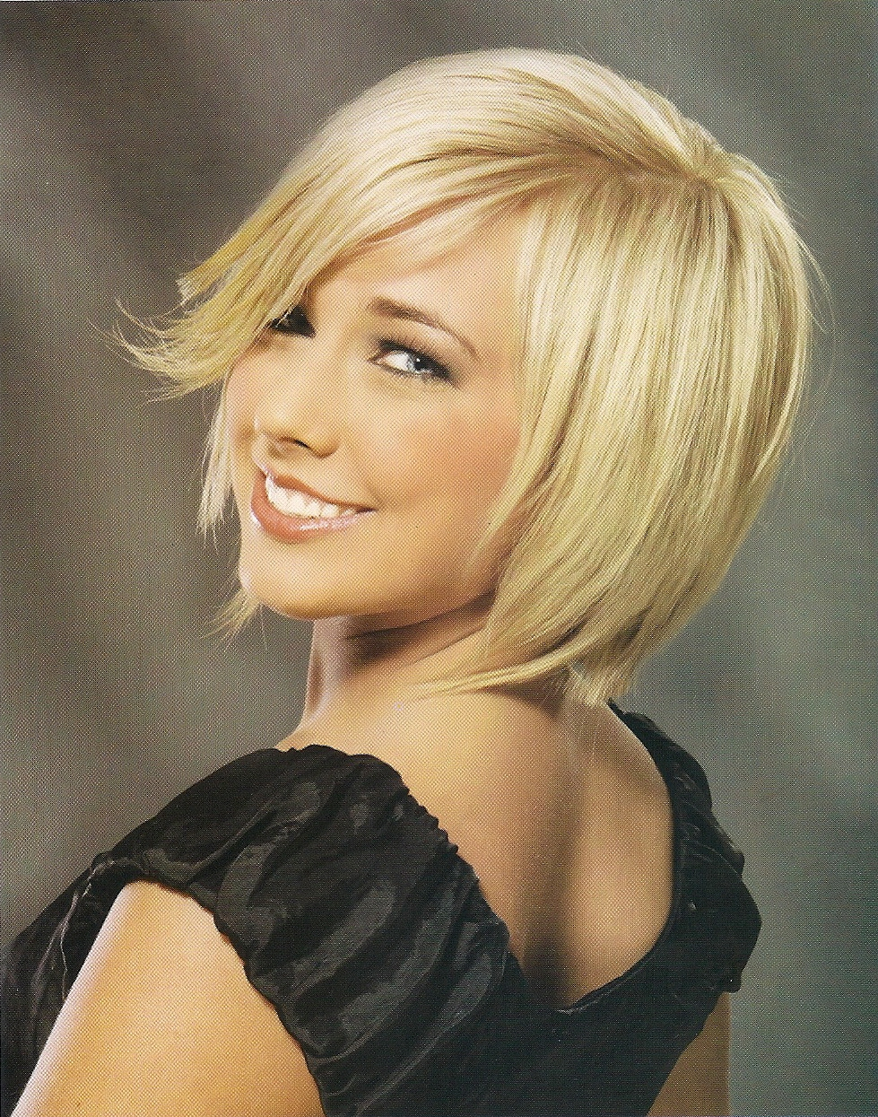New Modern Hair: New Trendy Layered Bob Hairstyle Pictures