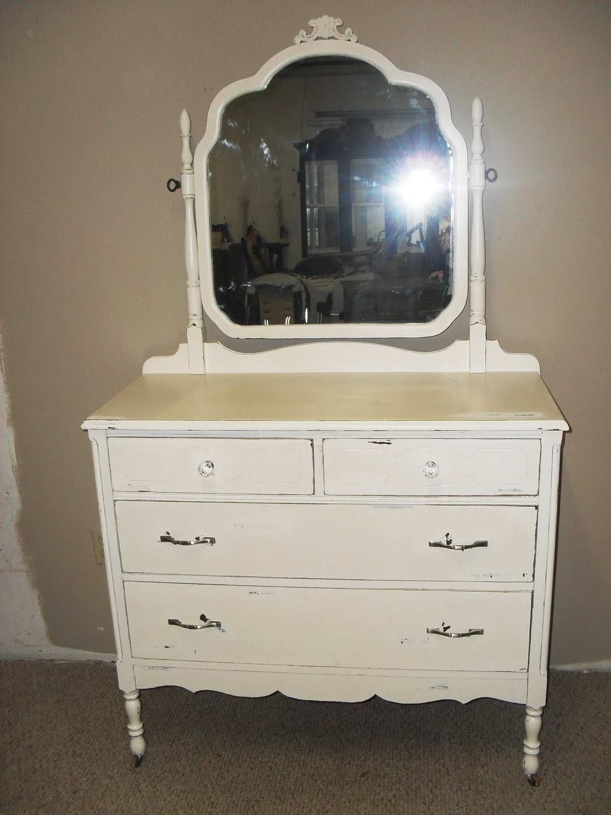 Better Than New Antique White Dresser With Mirror