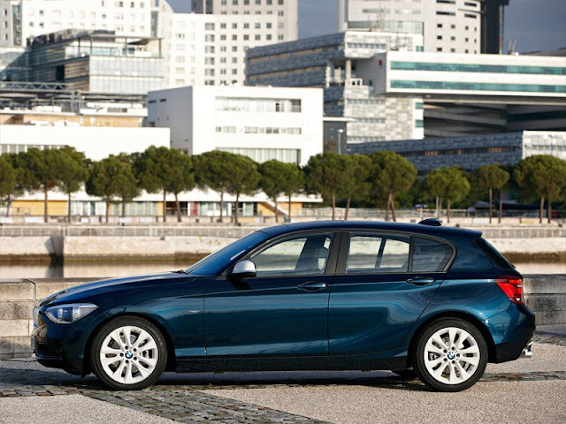 Side image of BMW 1 hatchback