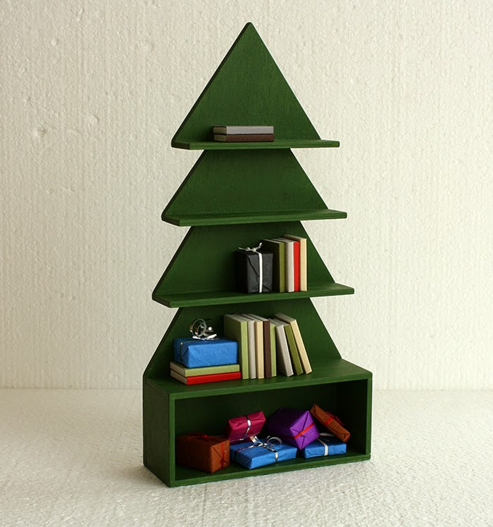 Christmas Tree Bookcase 610 07