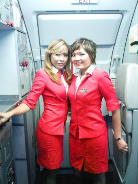 Foto Seksi Bening Pramugari Air Asia2