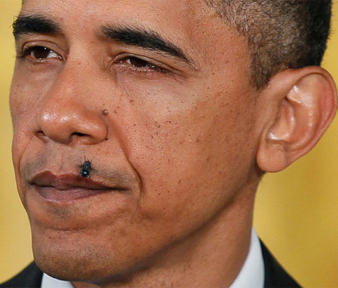 Hình ảnh chế hài hước của Obama - Cảm xúc vui, obama ruoi dau vao mep
