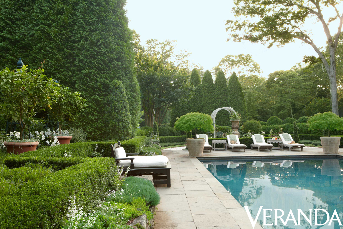 Hydrangea hill cottage the hamptons home and gardens of for Pool garden house