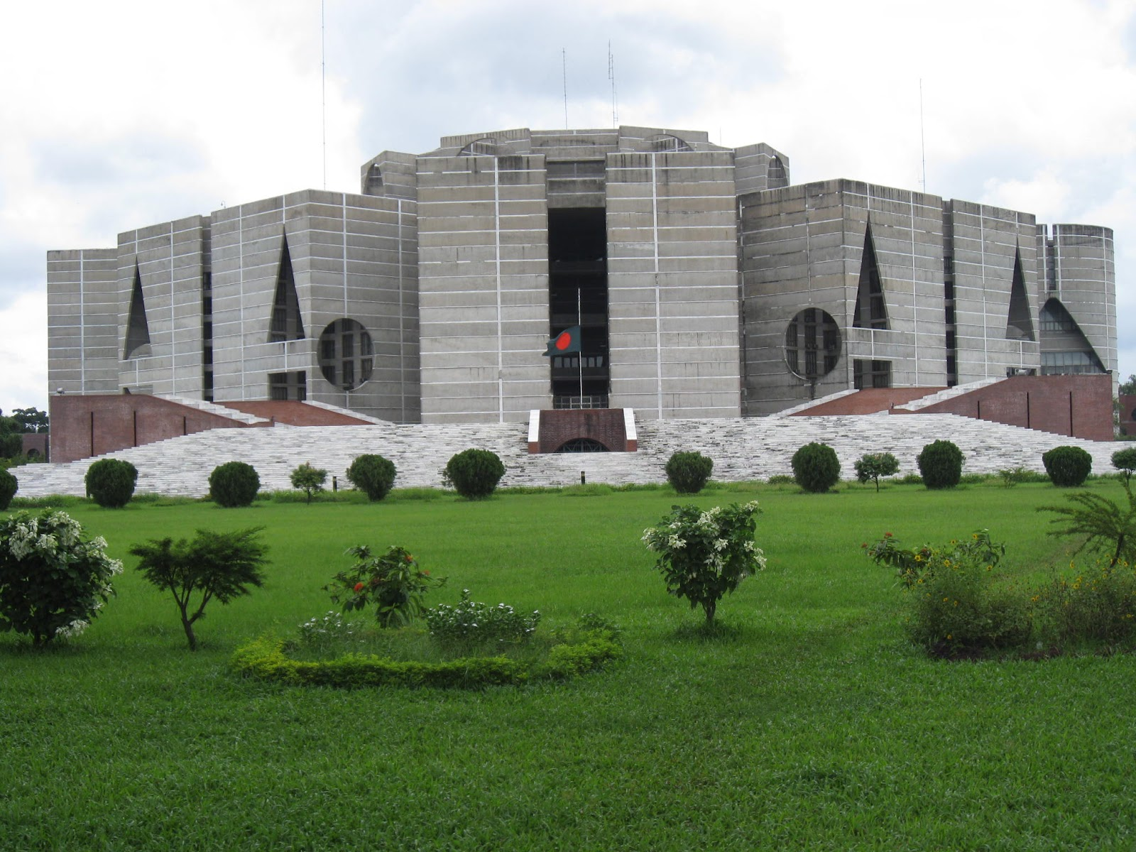Bd parliament check out bd parliament cntravel for Bangladesh house picture