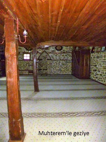 Dere Cuma Camii-iç mekan