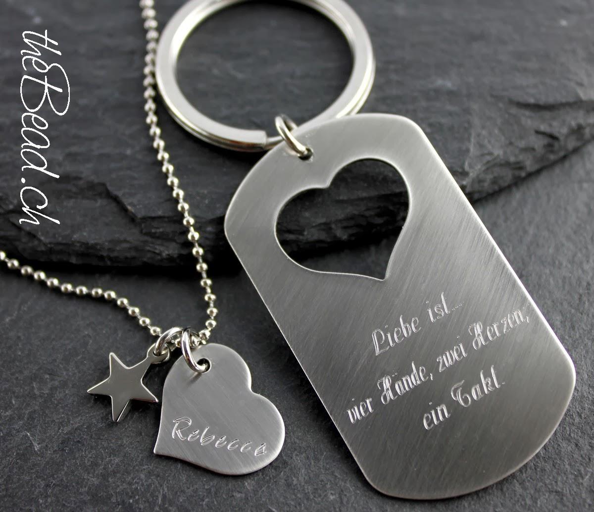 Schlüsselanhänger SET zwei Herzen mit Halskette und Herzanhänger
