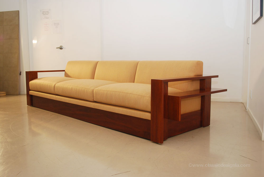 Classic Design Custom Wood Frame Sofa