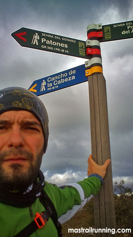Trail Running GR300 Atazar Genaro