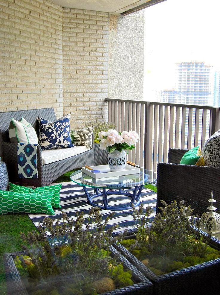 The grey home making best use of balconies 24 decor for Uses of balcony