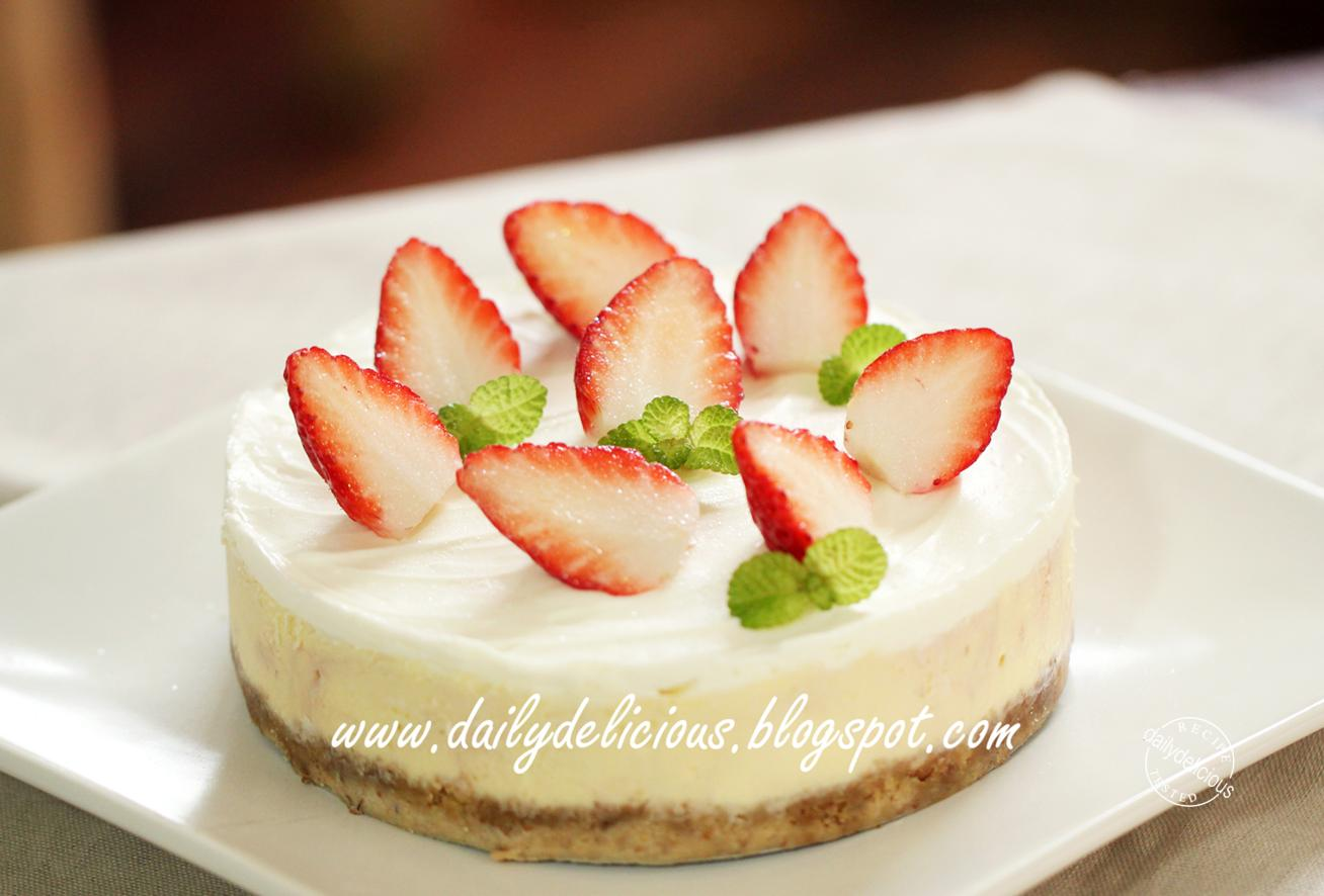 dailydelicious: Strawberry cheesecake: My cake is sweet ...