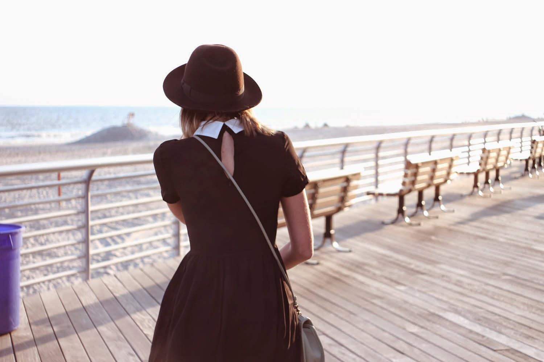romwe dress, white collar, mint coach bag, long beach boardwalk, nyc vintage fashion