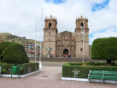 Plaza de Armas, Puno, Perú, La vuelta al mundo de Asun y Ricardo, round the world, mundoporlibre.com