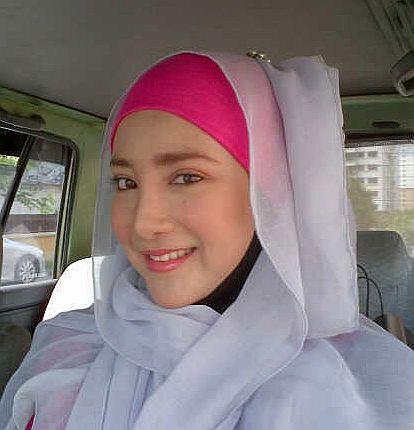 Anna Pesona Arjuna Wordless Wednesday Artis Dan Hijab