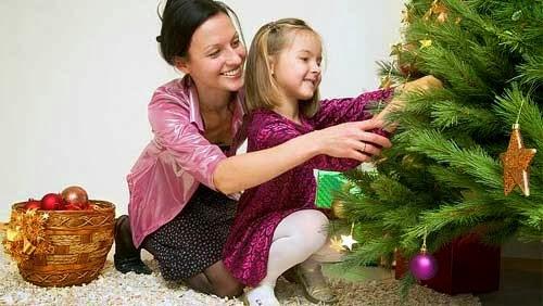 madre e hija arbol de navidad