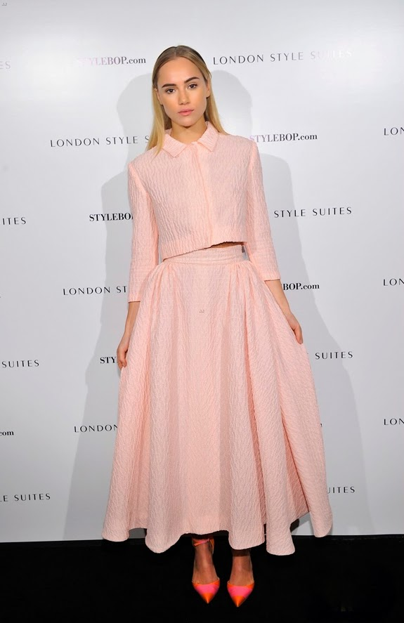 Suki Waterhouse de Emilia Wickstead