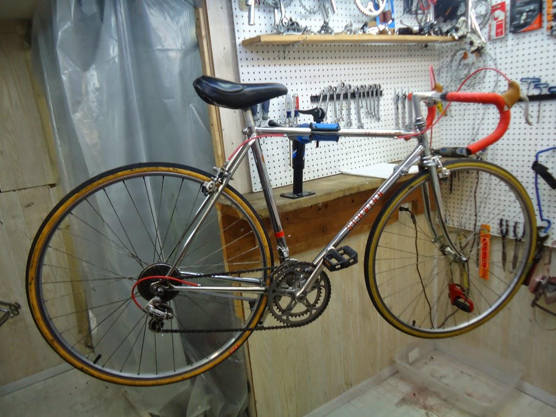 e16895f8f7d John's Bicycle Restorations: Shelly's Schwinn Voyageur 11.8 Chrome ...