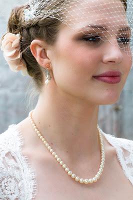 beautiful bride, veil, pearls, Amber Lynn Photography