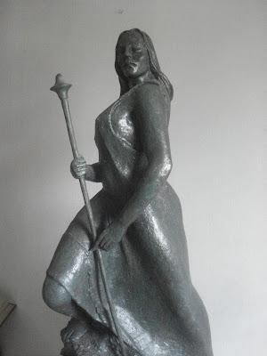 antigua TALLAPONA del norte del PERU -escultura realizada en resina y fibra de vidrio