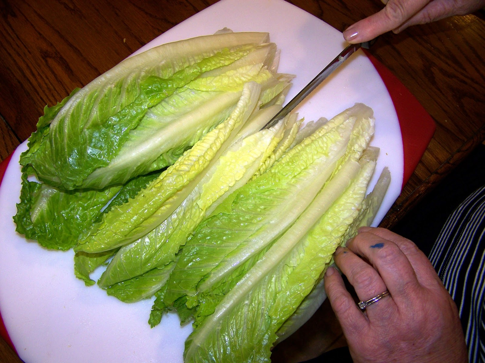how to clean romaine lettuce