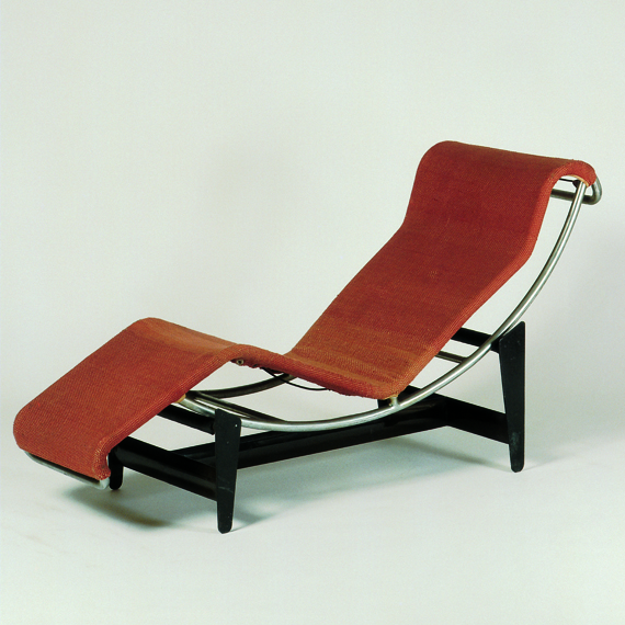 Design: 1928 Production: since 1930 Manufacturer: Thonet Frères, Paris Size: c. 70 x 56.6 x 156 cms Material: chrome-plated and varnished steel, fabric, steel springs, rubber