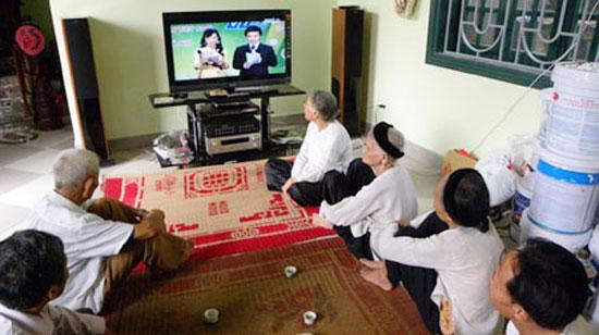 Tập trung hỗ trợ người dân chuyển sang truyền hình số