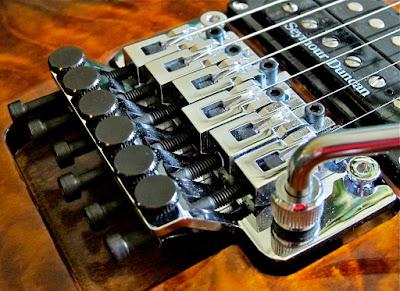 http://www.guitarcoast.com/2015/07/ponte-flutuante-floyd-rose.html