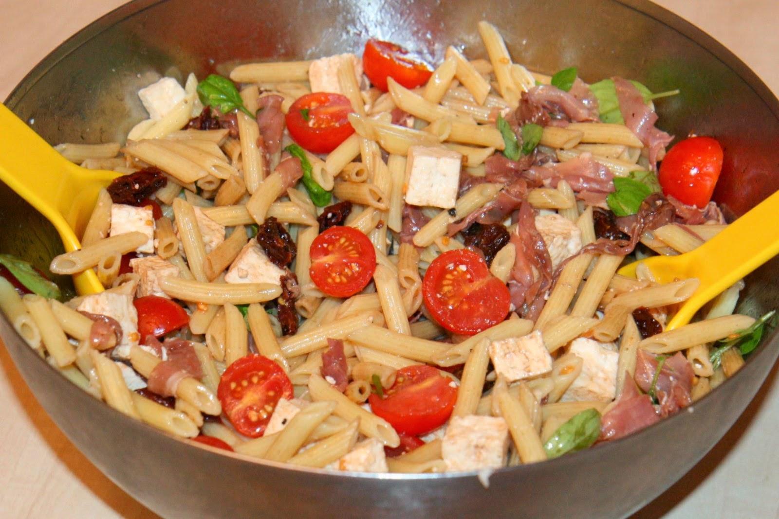 a la sauce franco qu 233 b 233 coise salade de p 226 tes 224 l italienne