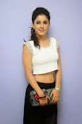 Isha Talwar Charming photos-thumbnail-8