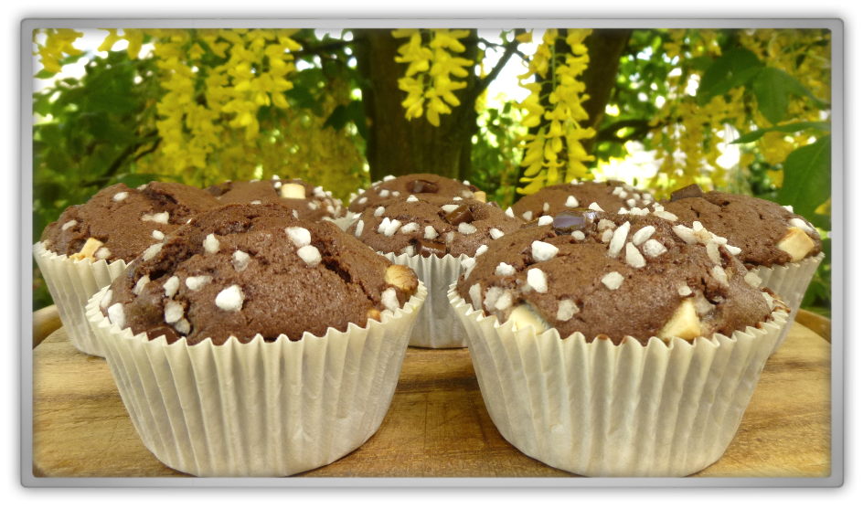 Baking homemade muffins Dr oetker verwen muffins Chocolade chocolate Laburnum anagyroides spring summer delicious