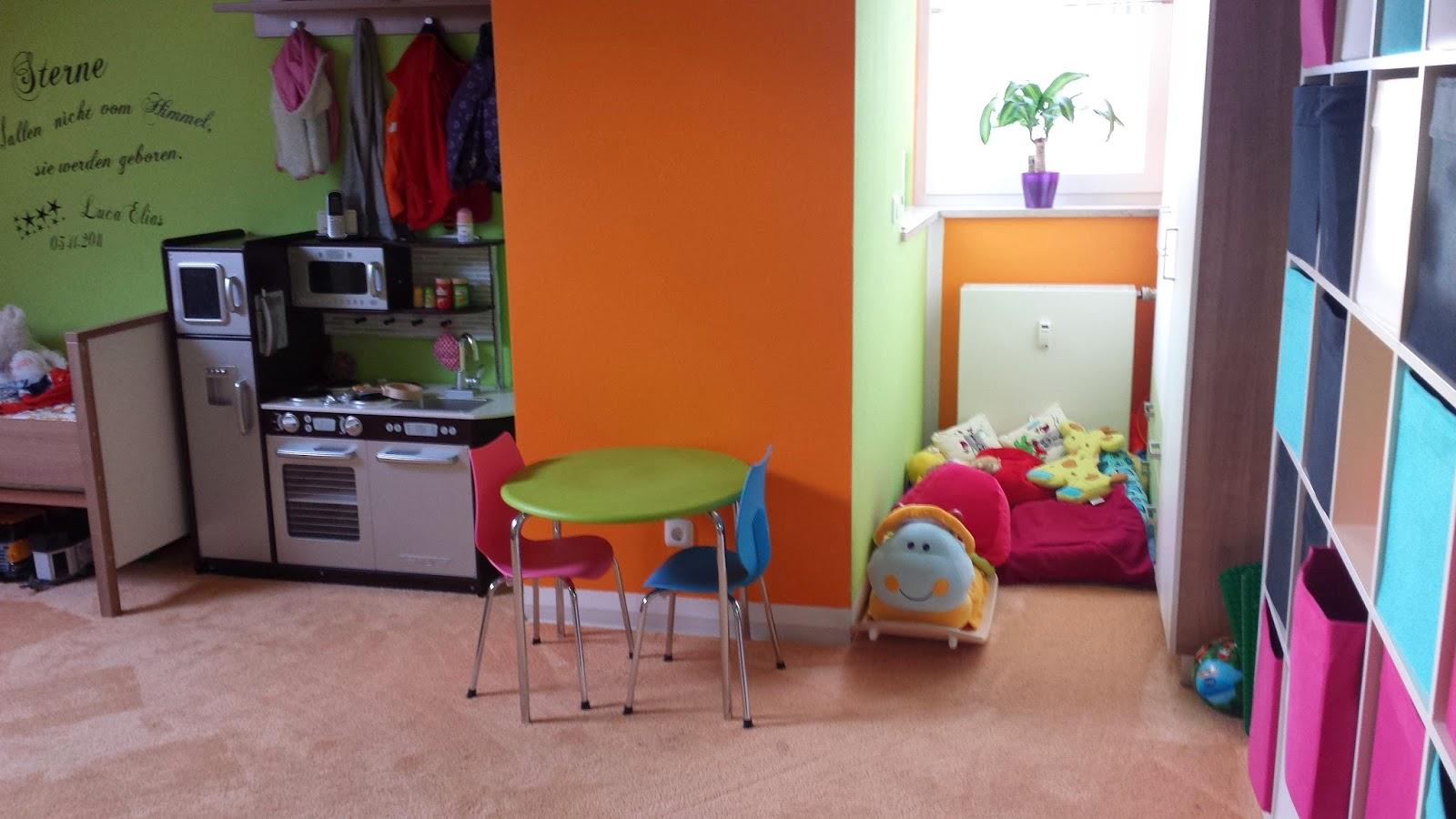 das leben ist kunterbunt montessori meets kinderzimmer. Black Bedroom Furniture Sets. Home Design Ideas