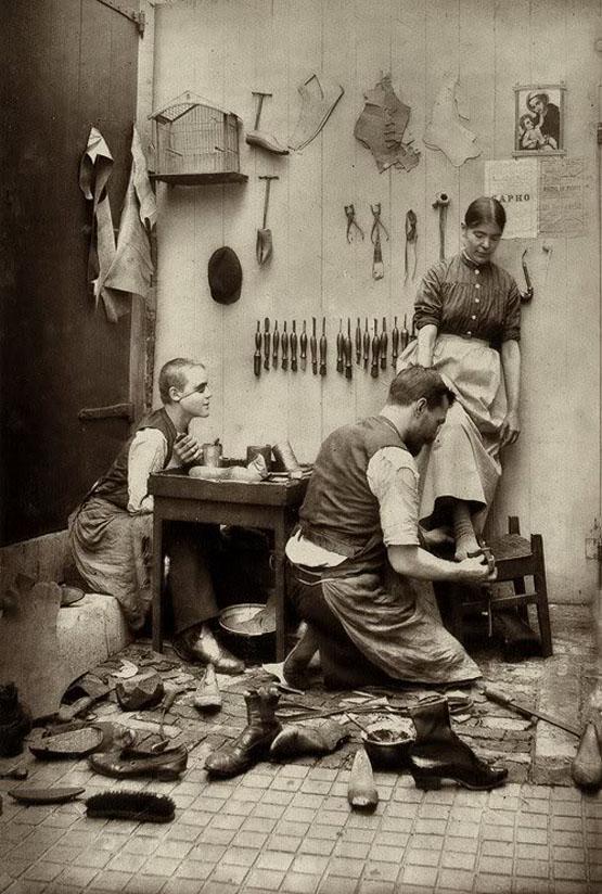 Život u Rusiji nekada davno - Page 2 Shoemaker.%2BLate%2B19th%2Bcentury
