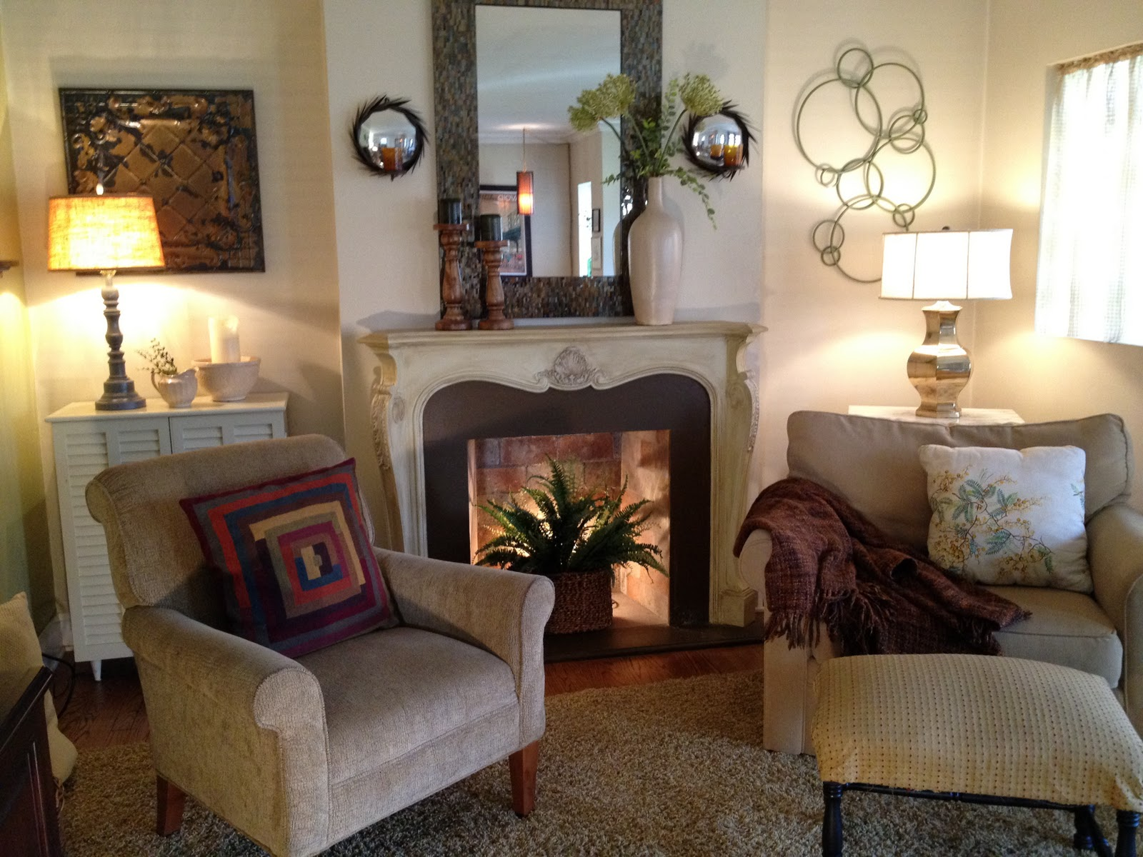 the gaudy look of the mantel. I love this mix and tension of styles 1600 x 1200