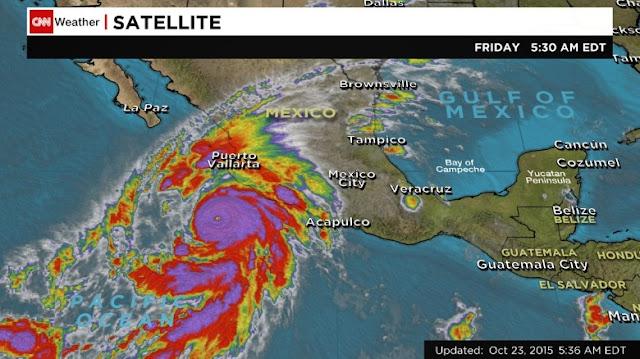 Hình ảnh vệ tinh của CNN cho thấy lúc cơn bão đang sắp sửa tiến vào Mexico vào ngày 23/10.