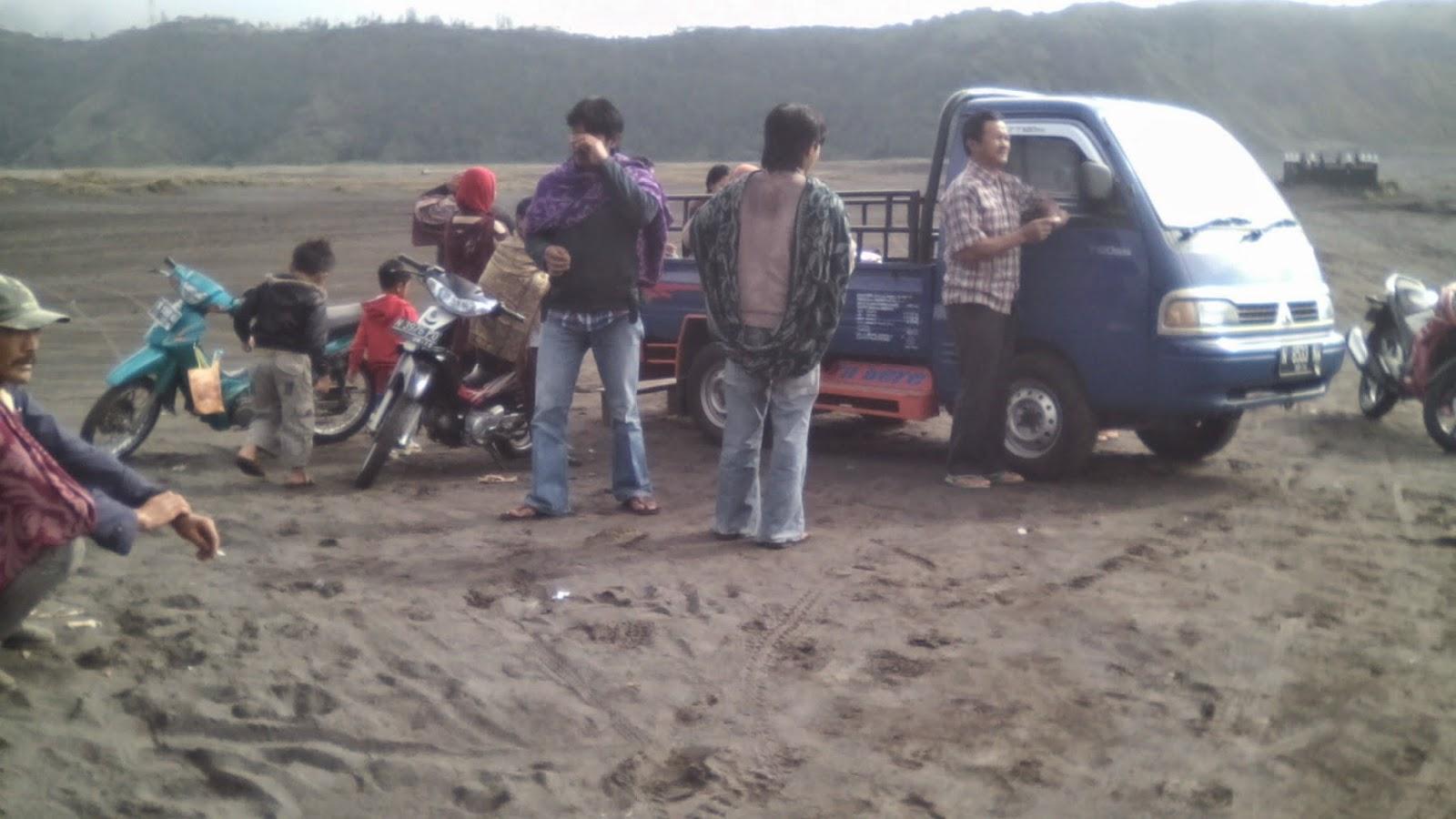 Rombongan yang baru tiba di Watu Dukun