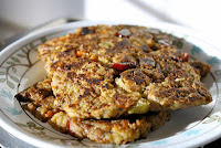 http://foodiefelisha.blogspot.com/2012/11/stuffing-bread-cakes.html