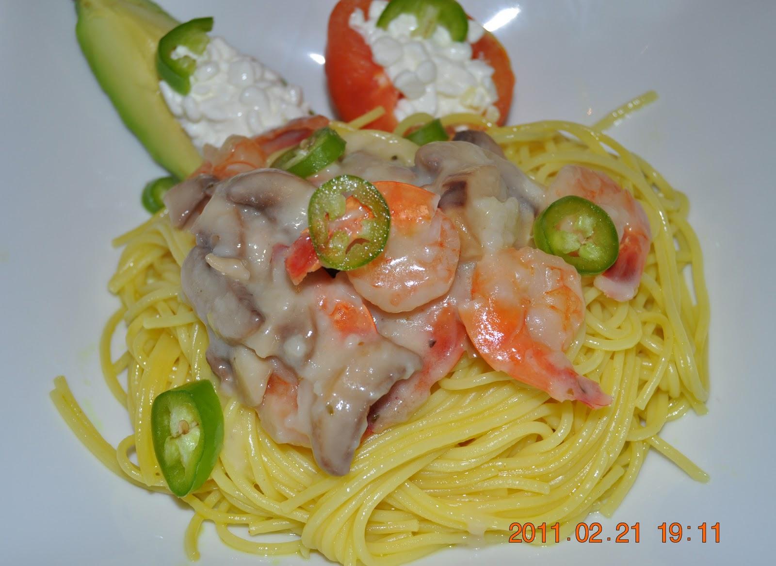 لذت لذت آشپزی: اسپاگتی با میگو قارچ