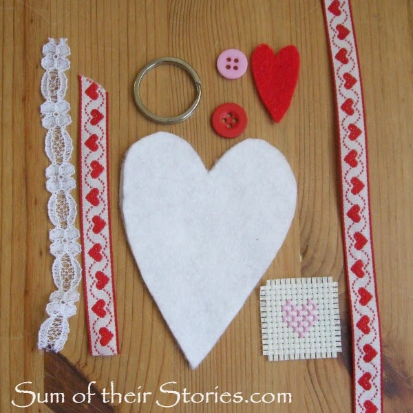 how to make a felt heart keyring